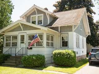 Charming Home Within Walking Distance To Beach, Park And Downtown Shops!