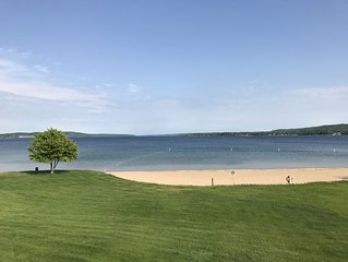 Family-Friendly Condo on Lake Charlevoix!