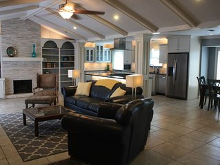 New Listing! MINUTES FROM BEACH, LUXURIOUS HOME, GREAT FOR FAMILIES! POOL TABLE!
