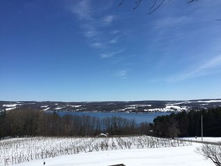 Lakeview Crossing Overlooking Keuka Lake In Beautiful Upstate New York.