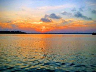Luxury on the Lake !