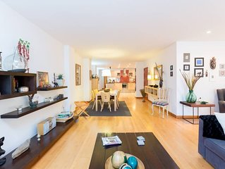 Spectacular Centric Loft ~ 5 Min walking to the Beach!