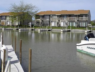 Beautiful One Bedroom Condo In Green Cove Resort On The Shores Of Lake Erie