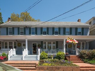 Charming garden row home, easy 4 block walk to the heart of Annapolis.