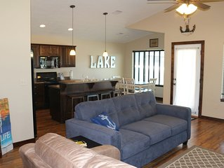 Beautiful Okoboji Vacation Home at Bridges Bay with LOTS of amenities, NO stairs