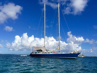 Beautiful 81  sailing Yacht at Anchor as your Hotel in Martinique