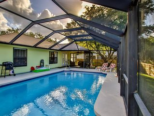 Large heated pool, pet-friendly, quiet and close to the beach and Indian River.