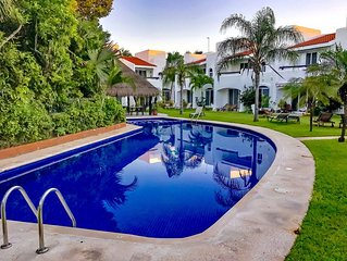 Luxury Private Villa with pool in private and safe gated community PlayaCar