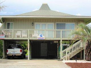 'The Beach Bucket' Beautiful Beach House located in Oak Island, NC