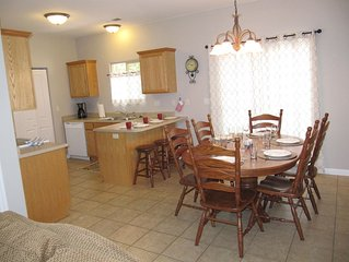 Newly renovated 3 bedroom, 2 bath townhome walking dist to downtown Kanab!