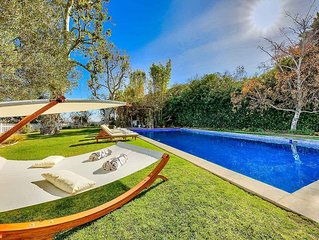 Luxury Bel Air House, Huge Pool, BBQ and Backyard - Great Views Day and Night!