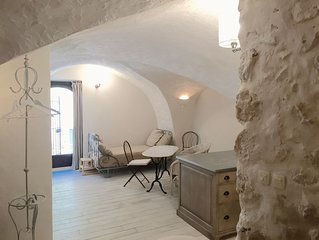Character apartment with independent entrance in a beautiful quiet village