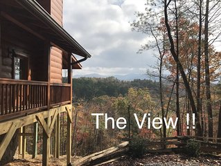 Amazing view! Dog friendly! Hot tub! 2K, 1Q,  2.5 baths! Fire pit, WIFI, NETFLIX