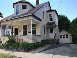 Erie Canal Bike Path-Historical Vacation Home