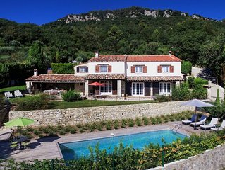 Provencal villa located in serene setting with panoramic views, sleeps 12