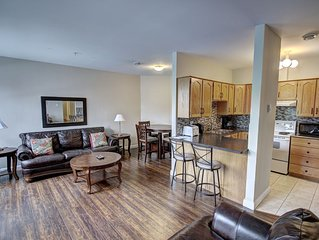 Condo nestled in the heart of historic downtown just steps from all amenities.!