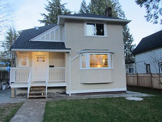 10 Minutes from Airport & Downtown - Fully Reno'd 4 BR House - Clean & Spacious