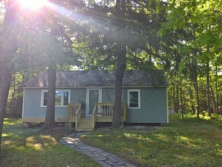 Twin Pines Cottage, a cozy and relaxed vaction awaits