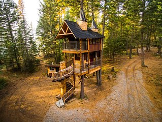 Luxury Montana Treehouse Retreat