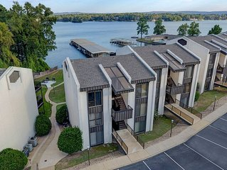 Unobstructed views of Lake Hamilton