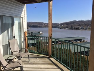 July/Aug Special, 6th NIGHT FREE when Booking 5 Nights, Lakefront 2BR 2BA Condo