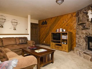 P227 by Mountain Resorts: Perfect location ~ Near Summer Ativities ~ Great Ameni