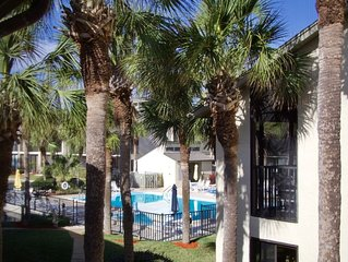 Perfect beach vacation Gold-rated condo ready for you to enjoy the Florida sunsh