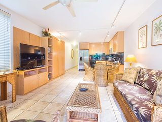 Open-Style Ground Floor Suite w/Modern Kitchen, WiFi, Lanai–Kamaole Sands 1107