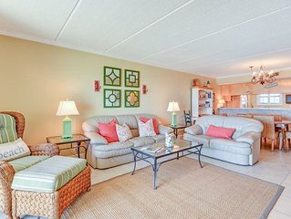 Beautifully decorated  7th Floor 2 Bed/2 Bath Oceanfront Condo sleeps 5, and has