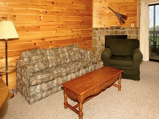 2BR/2BA located 1 mile from O'ber Gatlinburg and Gatlinburg Bypass.  Great views