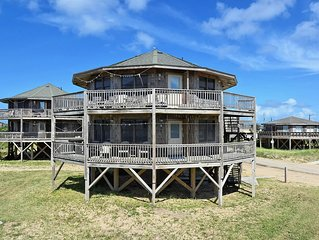 Beach Break Cottage- Excellent Ocean Views- Steps to Beach- Community Pool