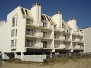 Beautiful Direct Oceanfront 1 Bedroom Condo on 75th