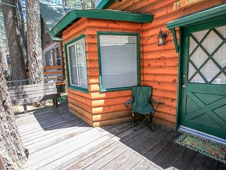 Cottage In The Pines Adorable Couple's Cabin / Essentials Included