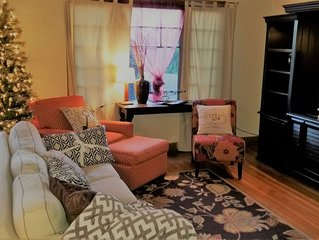 Modern❤️Smart Craftsman HDTV Keurig AC❤of Downtown - Two Bedroom House, Sleeps 6