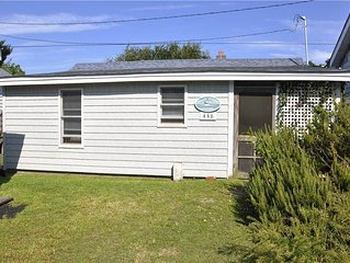 Caswell Williams:  Small, cozy and affordable cottage near Lighthouse.