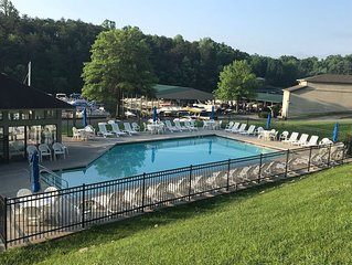 POOL, LINENS/TOWELS, BOAT SLIP, LAUNCH INCLUDED