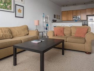 Spacious Townhome | Dining + Nightlife | Parking
