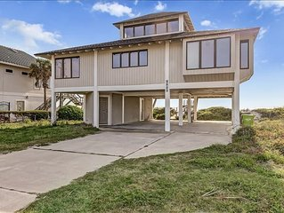 Bring your dog on vacation to this oceanfront house.  Amazing views and lots of
