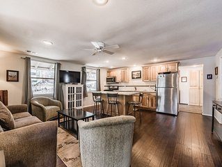 Miles Hacienda: Beautifully Remodeled, Centrally Located Ruidoso Cottage
