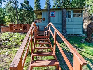 Blue Jay: Cute, Rustic 2 Bedroom in the Upper Canyon!