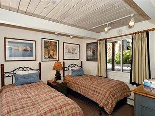 Cozy Standard 2 Bedroom, walking distance to town