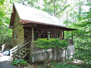 Quaint Cabin! Fire Pit! Great Covered Deck! Golf, Pool, Lake with Beach!