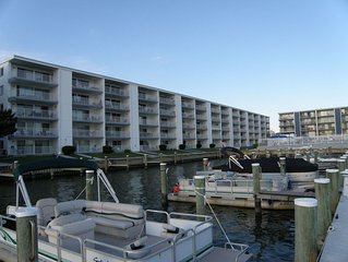 Beautiful 2br/2ba direct bayfront with pool and boat slip