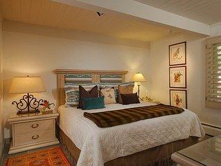 Three Bedroom Deluxe, walking distance to town