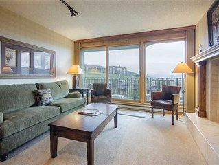 BT305 by Mountain Resorts: Premier condo*VIEWS*Walk to Base Area*Shuttle