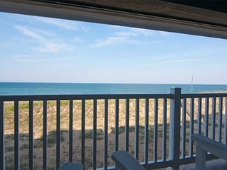 First Flight Retreat 215: Beachy and Breathable Condo, Oceanfront + Access to Sa