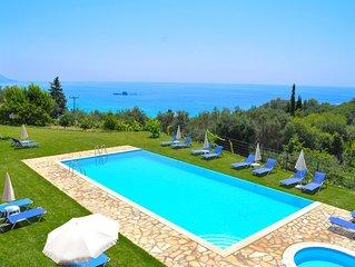 Luxus Ferienwohnung in Pelekas Strand mit Pool 'adonis'