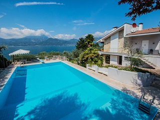 Beautiful villa with stunning lake view