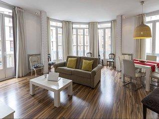 Gran Via 3 apartment in Gran Via with WiFi, air conditioning & balcony.