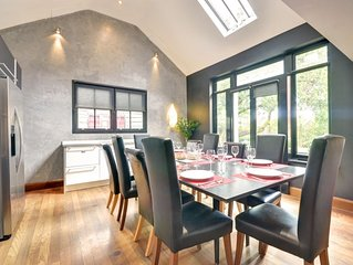 Cherry Tree House - Four Bedroom House, Sleeps 8